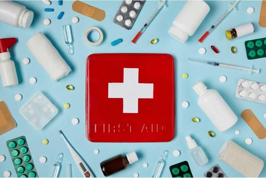 Φαρμακείο σπιτιού: Τι πρέπει να περιέχει